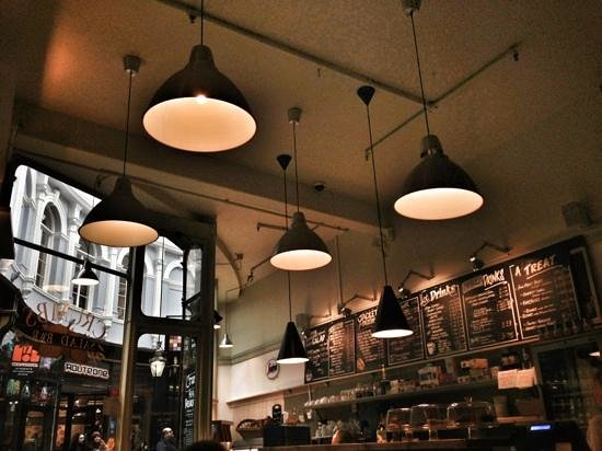 Crumbs Kitchen: HealthaHolic Place