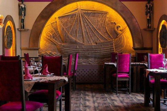 Le Cedre 84 - Oryginalna Libańska Restauracja