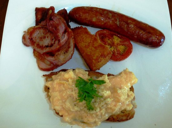 The Boatshed Restaurant: Traditional Breakfast
