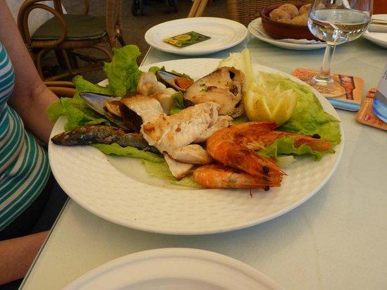 los Tarajales : Mixed grilled fish