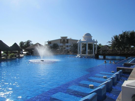 Now Sapphire Riviera Cancun: Another view of lovely main pool