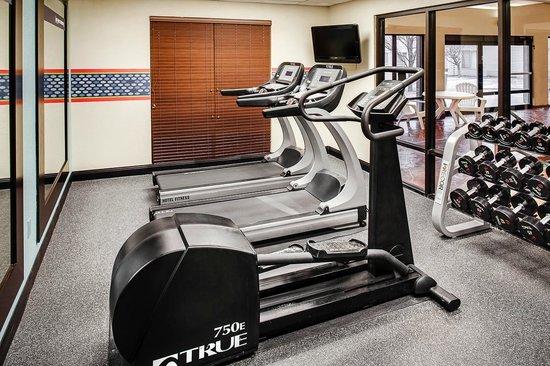 Hampton Inn Iowa City / Coralville : Fitness Room