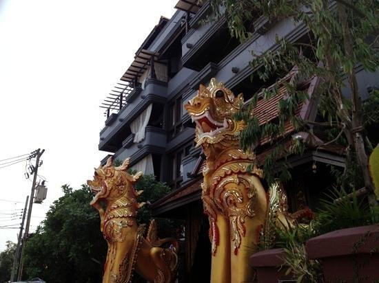 Singha Montra Lanna Boutique Style: entrada do hotel