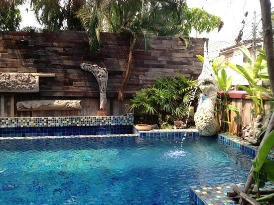 Singha Montra Lanna Boutique Style: piscina