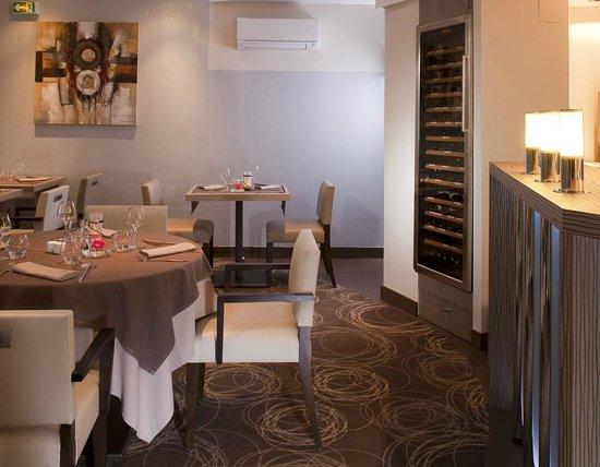 Le Relais Saint-Jacques : salle de restaurant