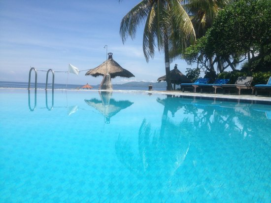 The Rishi Candidasa Beach Hotel: Swimming pool at the hotel
