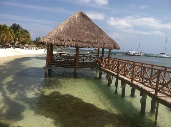 Isla Mujeres Palace: Dinner on the beach