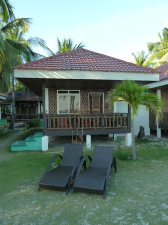 Bounty Beach Cocobana Resort: Our beachfront bungalow