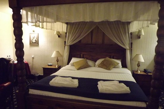 Bagdale Hall Hotel: Four poster