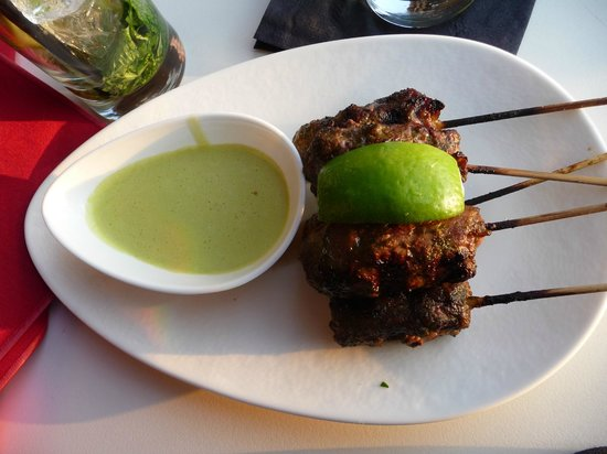 W Washington DC: Beef skewers at the rooftop bar
