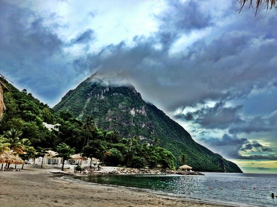 Sugar Beach, A Viceroy Resort: pitons