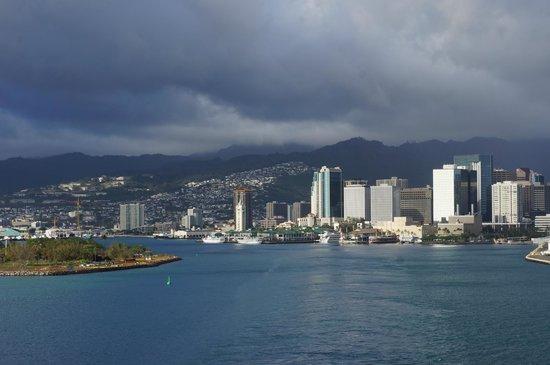 Honolulu Harbor: Honolulu