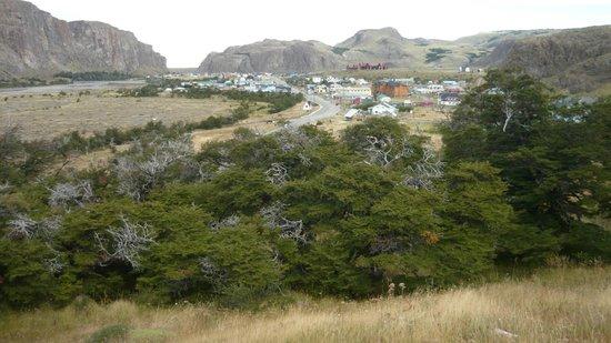 Road to El Chalten: Vista del pueblo del Chalten