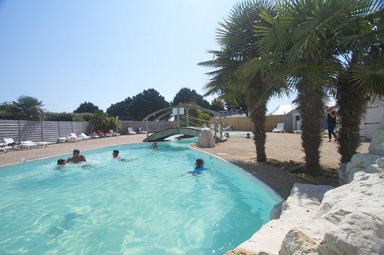 Camping park er lann saint pierre quiberon france for Camping piscine quiberon
