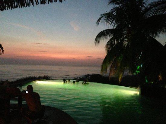 Vista de Olas Restaurant: Sunset at Vista De Olas