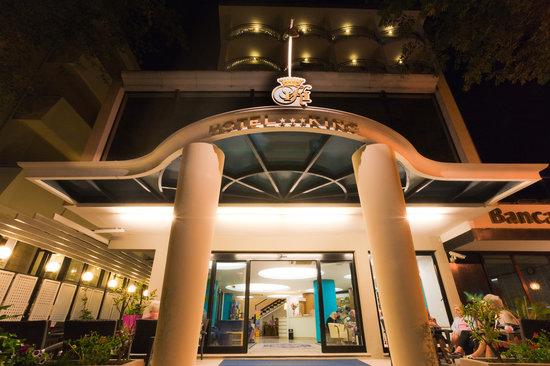 Hotel King Cattolica : Facciata