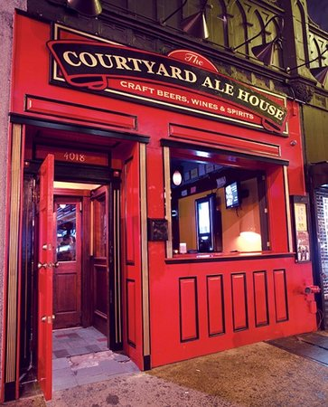 ‪The Courtyard Ale House‬