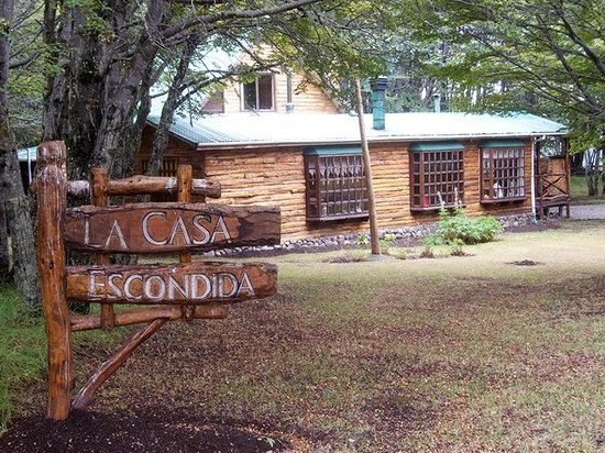 La Casa Escondida: Sign on Property