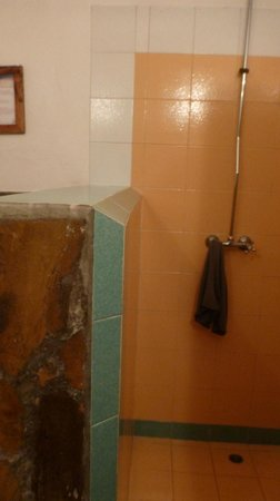 Diani Marine Divers Village: Bathroom