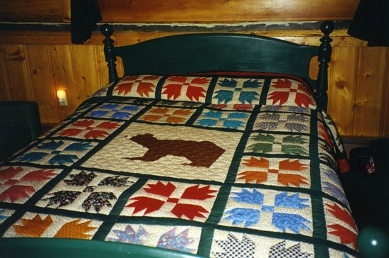 Nine Quarter Circle Ranch: Hand-made quilts for the beds