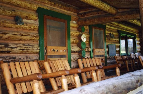 Nine Quarter Circle Ranch: Front porch of lodge