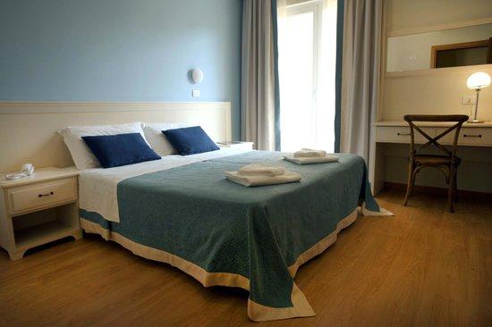 Hotel Andreaneri: Camera Azzurro Cielo