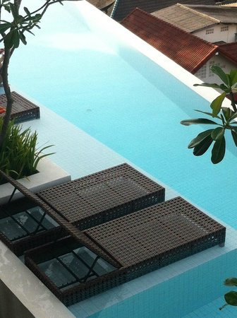 The Quarter Resort Phuket: Vue sur la piscine de la chambre