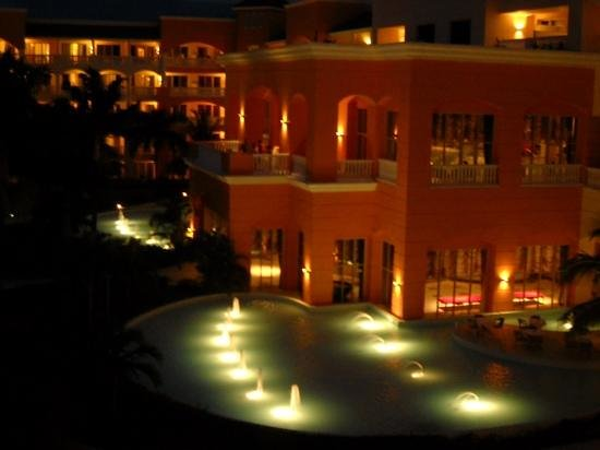 ‪‪Iberostar Rose Hall Suites‬: at night:)‬
