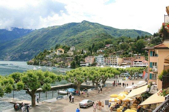 Piazza Ascona Hotel & Restaurants : ... der Blick auf den Millionärshügel...