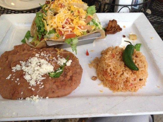 Cafe Serranos at Symphony Square: Soft tacos with brisket