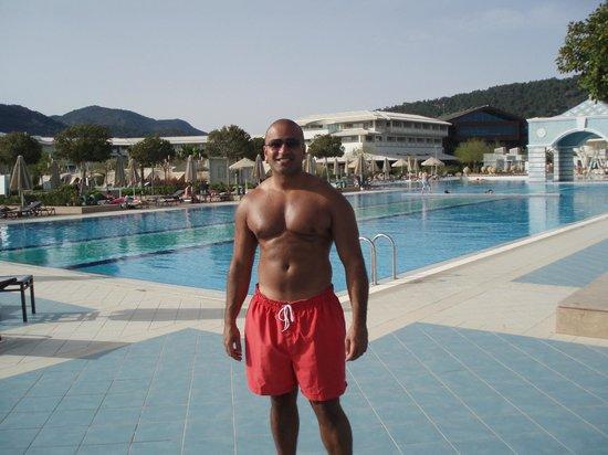 منتجع وسبا هيلتون دالامان ساريجيرم: At the pool