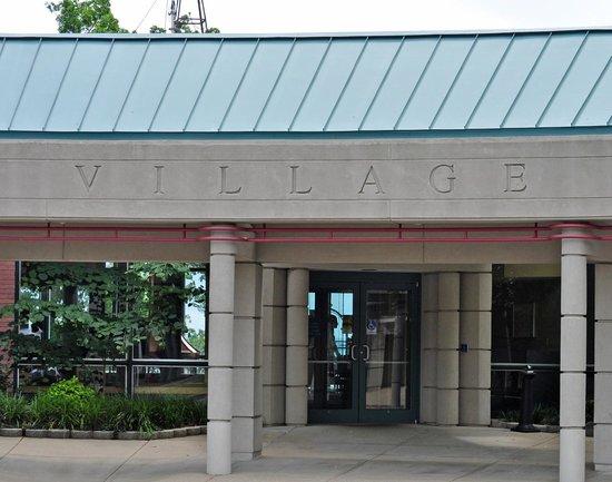 Kentucky Dam Village State Park: main entrance