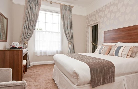 Oakbank House: Laura Ashley designed and furnished