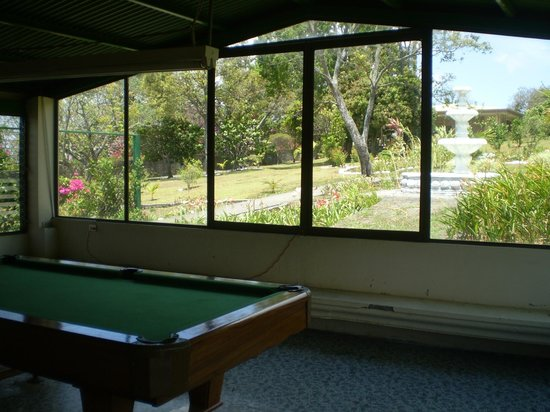 Hotel Desire Costa Rica: Pool room withe great garden view