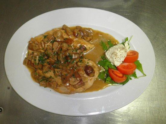 Osteria della Fornace : petto di pollo ai porcini