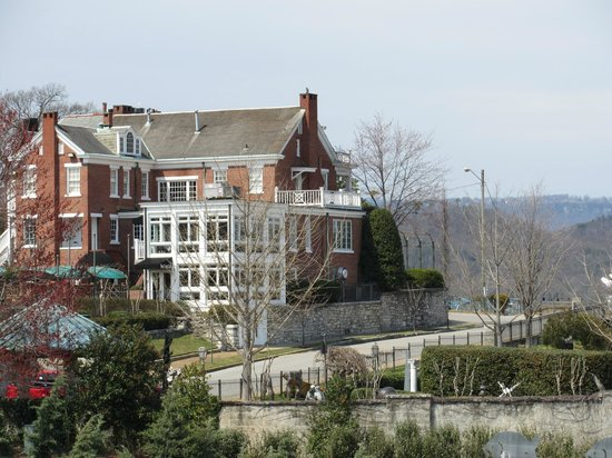Bluff View Inn: CG Martin House from Riverwalk