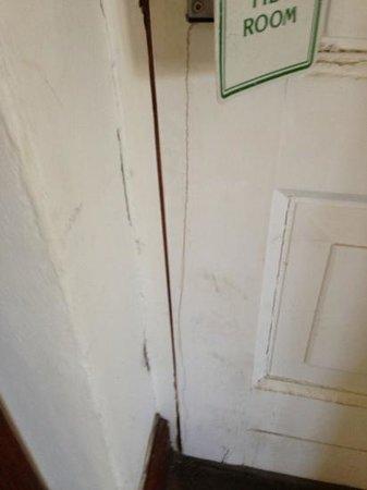 Spier Hotel: the dirty inside door