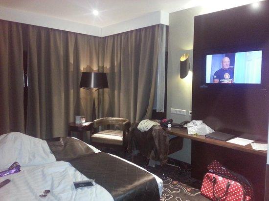Hotel Golden Tulip Amsterdam West: Room