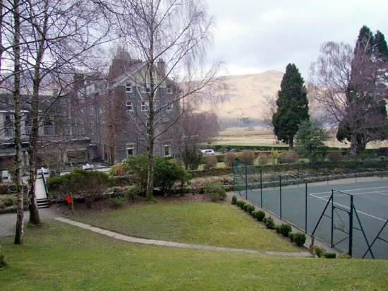 Lodore Falls Hotel: Tennis courts