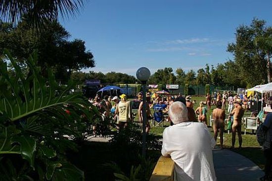 Cypress Cove Nudist Resort: Crowd at Nude-A-Palooza Charity Music Festival