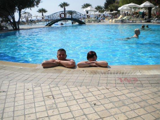 Labranda TMT Bodrum Resort: me and daughter  in pool