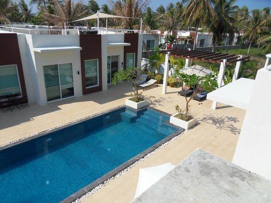 The Beach Village: Blick auf den Pool