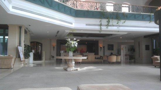 Hotel SH Villa Gadea: Entrada y recepcion del hotel