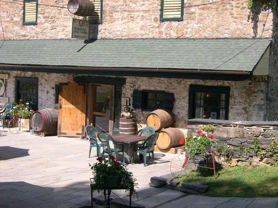Boordy Vineyards: A lovely space for lunch