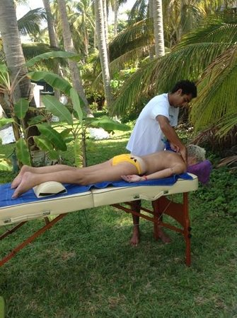 Posada Real Puerto Escondido: being spoiled at the coco beach club. $35.00 with Ivan