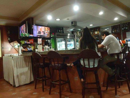 La Cresta Inn: Bar