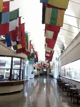 "Oregon State University: ""Avenue of Flags"""