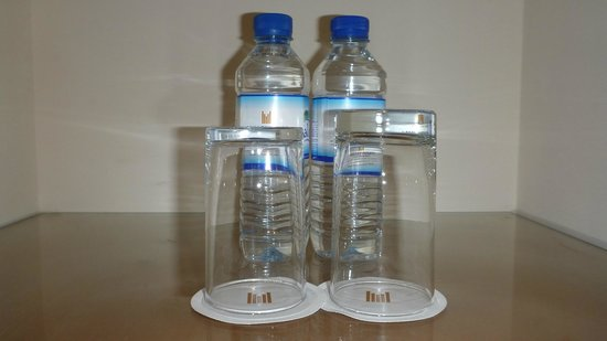 Copthorne Airport Hotel Dubai: Complimentary water
