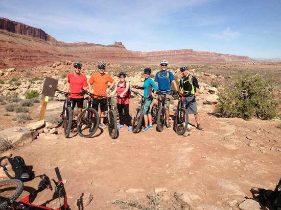Solfun Mountain Biking : The expierenced group with Phil