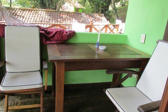 Sagu Mini Resort: lo mas lindo es el espacio del frente con hamaca paraguaya y la mesa para comer al aire libre